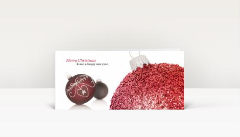 Weihnachtskarte leuchtend rote christbaumkugel englisch dk1692 - Weihnachtskarte englisch ...
