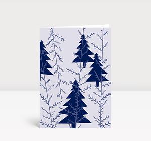 Weihnachtskarte Blaue Weihnachtsbäume auf zartblauem Grund