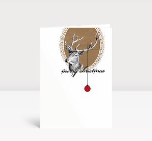 Weihnachtskarte Hirsch mit Weihnachtskugel