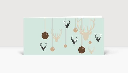 Weihnachtskarte Hirsche und Weihnachtskugeln grün braun